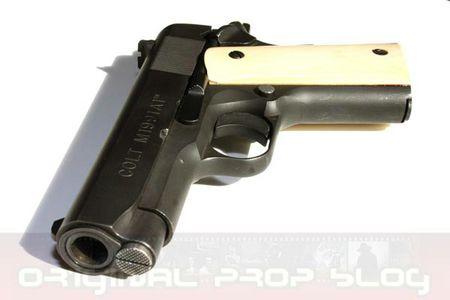 Al Pacino Heat Colt Prop Pistol 02 x425