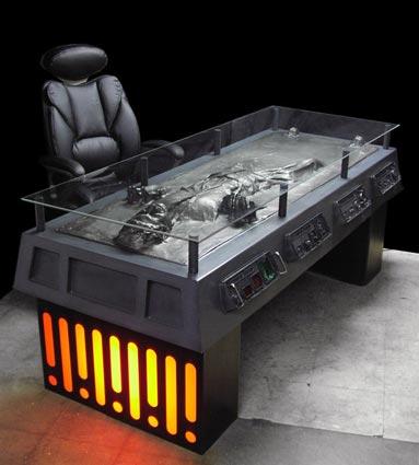 Han-Solo-Carbonite-Desk-01-x425