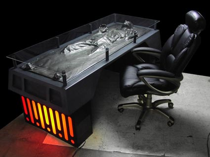 Han-Solo-Carbonite-Desk-02-x425