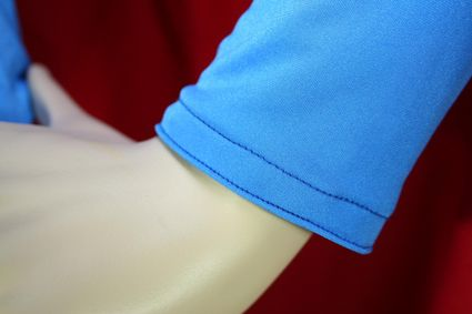 13 Mannequin-Superman-Costume-Close-Up-Wrist x425