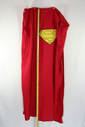 16 Superman-Costume-Cape-Full-Pinned-Taped-Veritcal x425