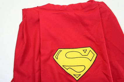 17 Superman-Costume-Cape-Back-Top-Half x425