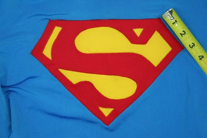 47 Superman-Costume-Chest-Emblem-Front-Taped-03 x425