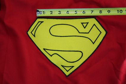 49 Superman-Costume-Cape-Full-Emblem-Taped-01 x425