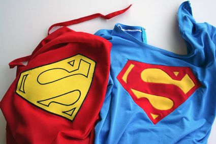 52 Superman-Costume-Emblem-Side-by-Side x425