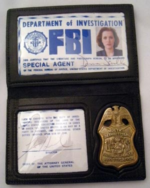 Dana+scully+fbi+badge
