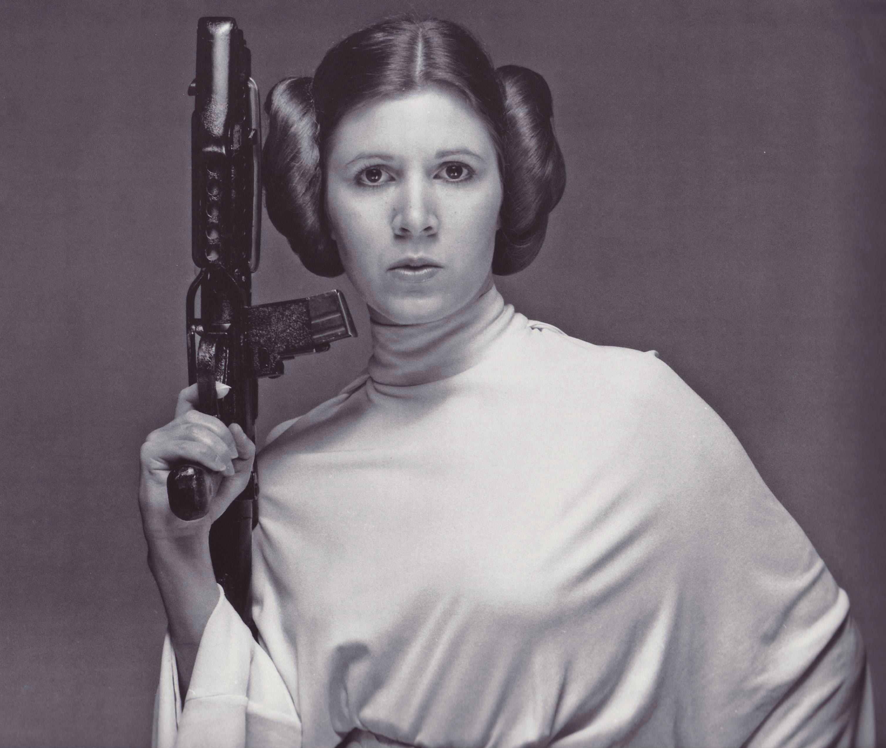 princess-leia-star-wars-chronicles-promo-stormtrooper-blaster-