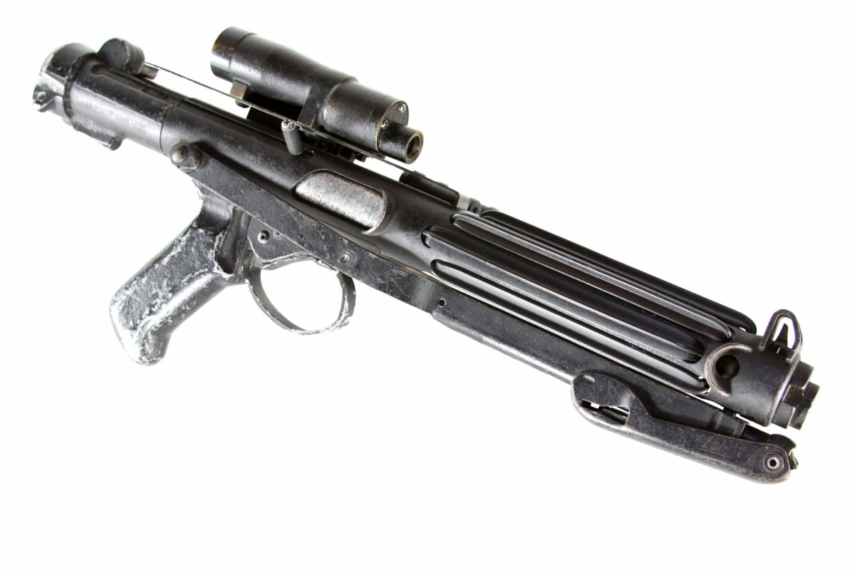 http://www.originalprop.com/blog/wp-content/uploads/2008/12/star-wars-a-new-hope-imperial-stormtrooper-blaster-e-11-sterling-original-prop-01.jpg