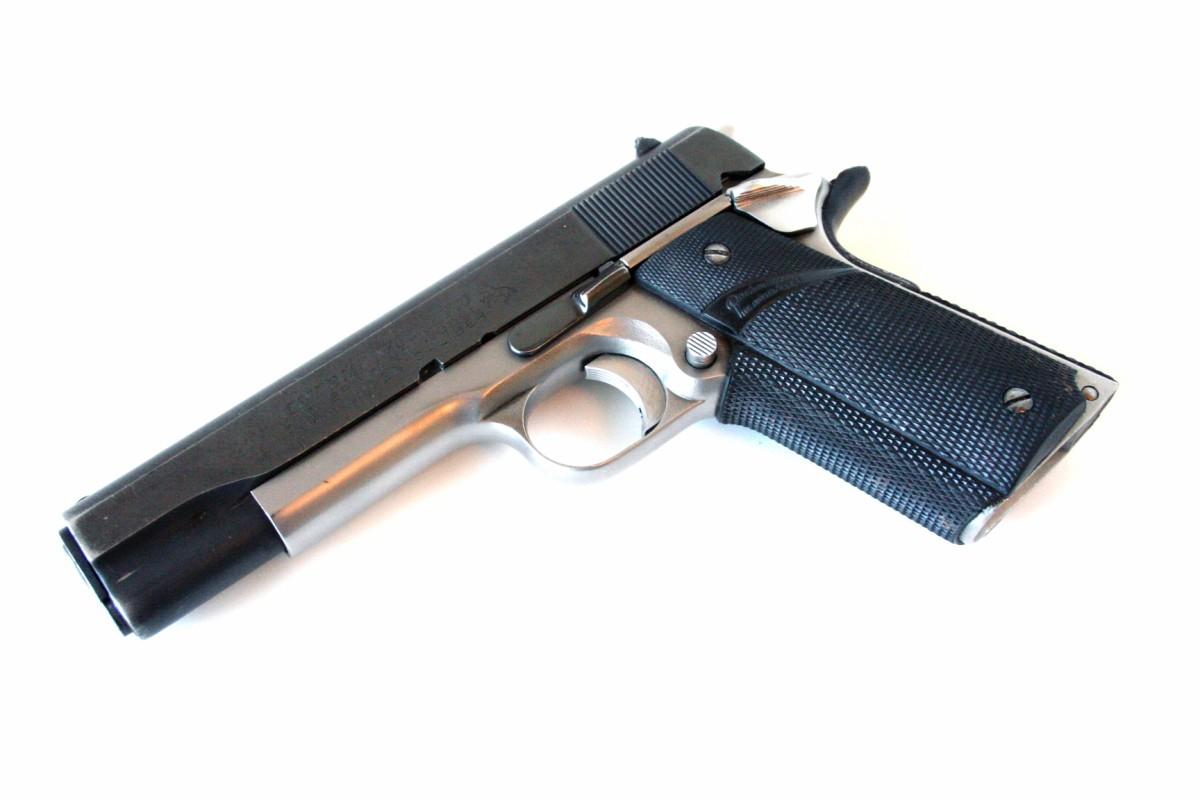 terminator-2-colt-detonics-pistol-custom-original-prop-02-x1200.jpg