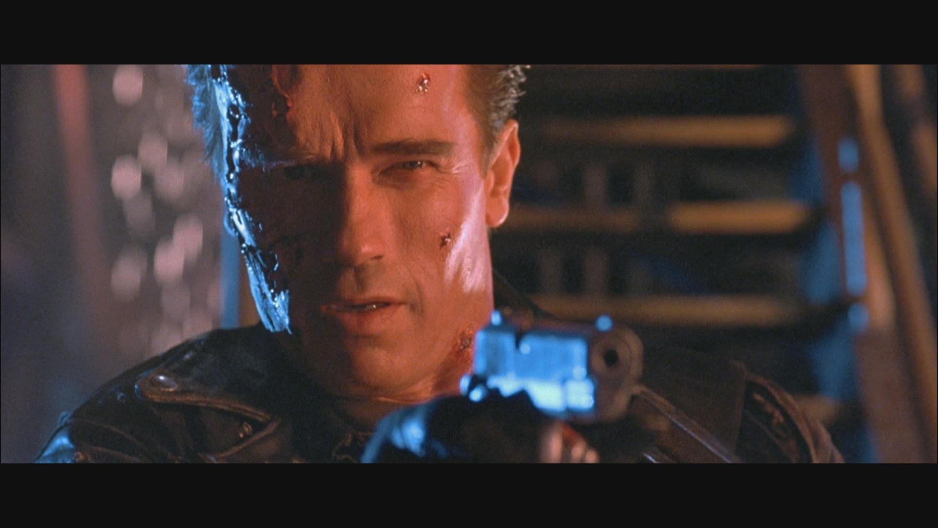http://www.originalprop.com/blog/wp-content/uploads/2009/03/terminator-2-hd-screencapture-colt-detonics-movie-prop-24.jpg