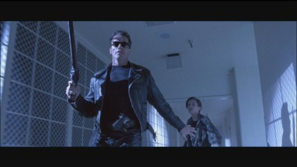 terminator-2-hd-screencapture-shotgun-movie-prop-20-x425