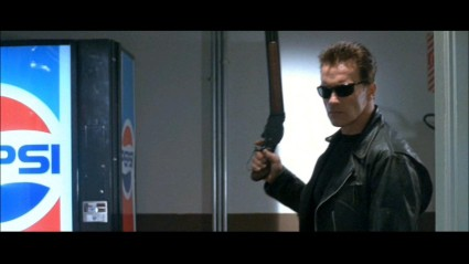 terminator-2-sd-screencapture-shotgun-movie-prop-06-x425