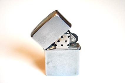 die-hard-zippo-x425