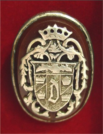 qmx-dracula-ring-replica