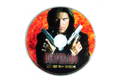 desperado-disc-dvd-ruger-p90-publicity-x425
