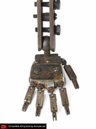 Christies-Auction-King-Kong-Original-Armature-Movie-Prop-LEFT-FOOT [x425]