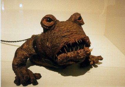 Art-of-Star-Wars-Exhibit-1995-Original-Prop-Blog-Jabbas-Pet [x425]