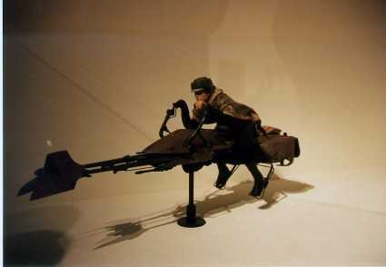 Art-of-Star-Wars-Exhibit-1995-Original-Prop-Blog-Luke-Speederbike [x425]