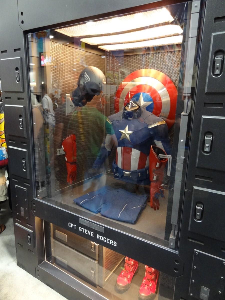 San Diego Comic Con 2011: Marvel Unveils Captain America's 'Avengers' Movie Costume