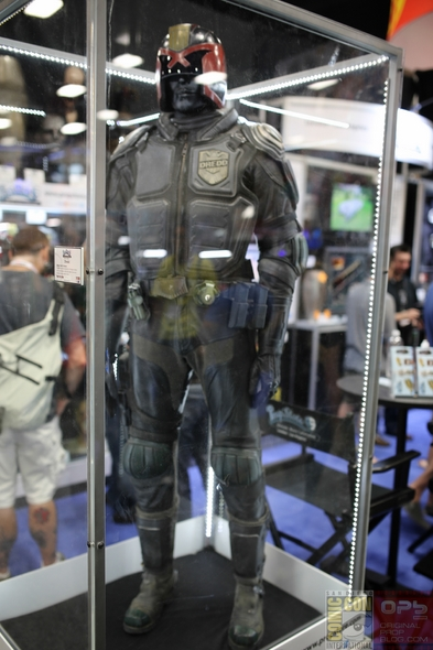 Comic-Con-Internation-2013-San-Diego-Prop-Store-London-Los-Angeles-TV-Movie-Prop-Costume-Photos-High-Resolution-Original-Prop-Blog-News-01-RSJ