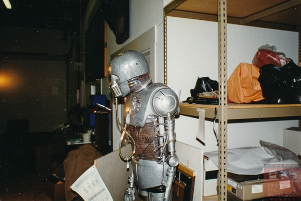 Rare-LFL-Lucasfilm-Archives-Movie-Prop-Lost-Photos-Star-Wars-Indiana-Jones-Historic-Visit-Original-Prop-Blog-001-RSJ