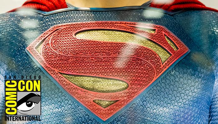 San-Diego-Comic-Con-2015-Exhibit-Photography-DC-Comic-Entertainment-Batman-Superman-Flash-Arrow-FI