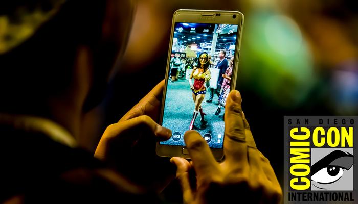 San-Diego-Comic-Con-International-2015-Photos-Cosplay-Convention-Exhibit-Hall-Photography-FI