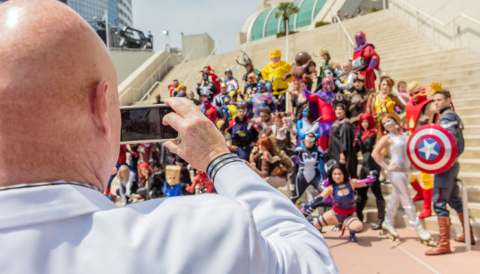 San Diego Comic-Con 2016: Photos of People Taking Photos of People in Costume/Cosplayers (#SDCC)