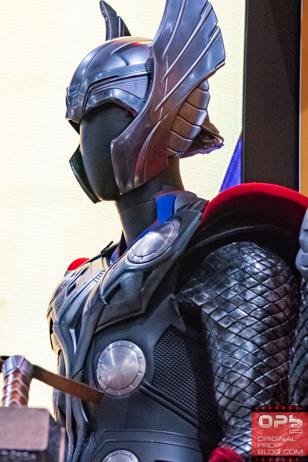 "San Diego Comic-Con 2018: Marvel Entertainment Friday/Part 3 ""Thor"" Costume Exhibit"